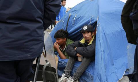 Κουμουτσάκος: Κάρτα εισόδου - εξόδου στα νέα κλειστά κέντρα για τους πρόσφυγες