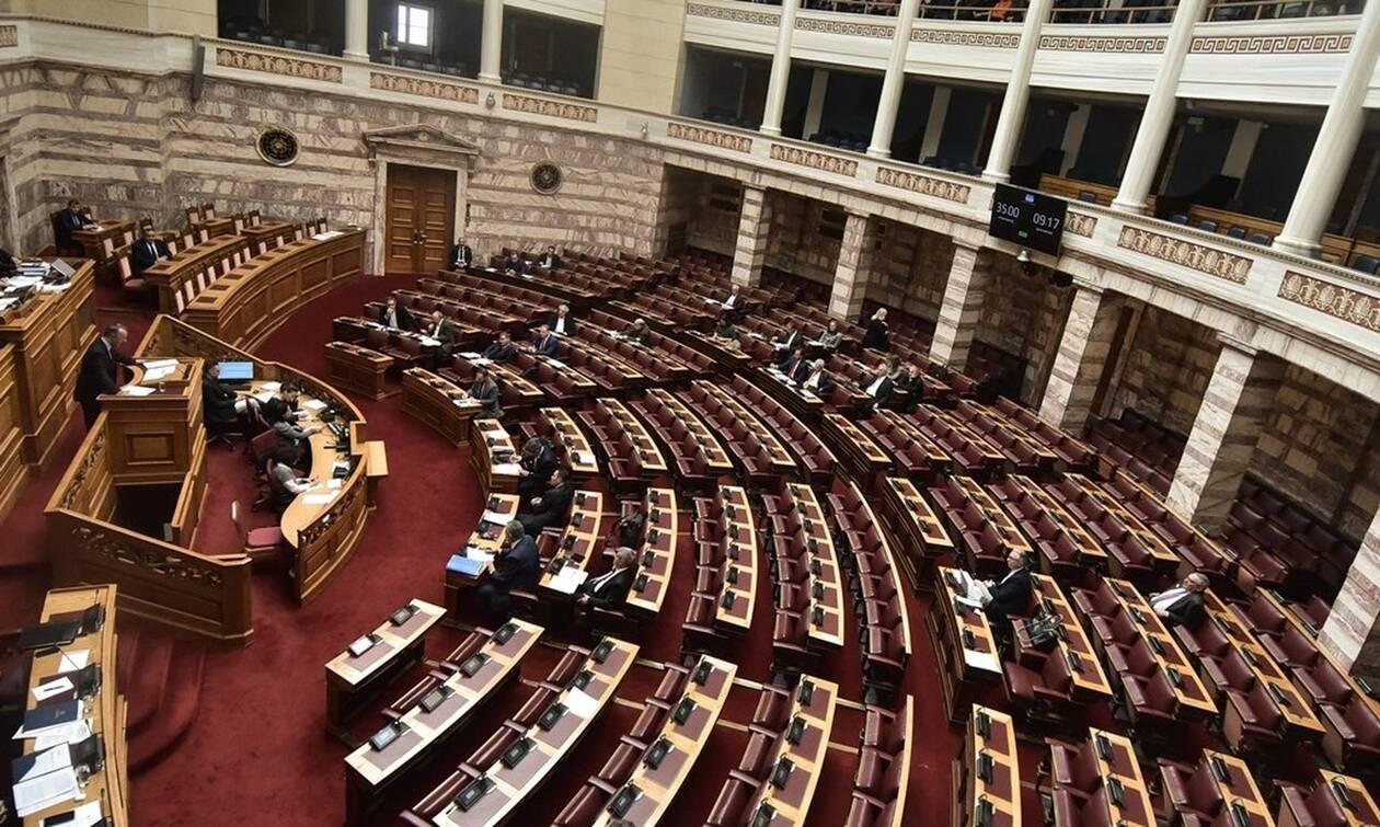 Βουλή LIVE: Σύγκρουση πολιτικών αρχηγών για τα εργασιακά