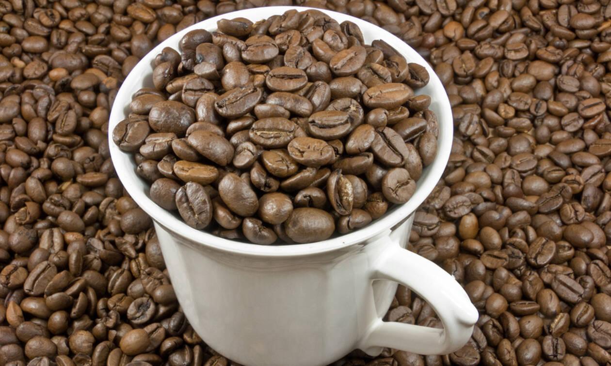 Σημάδια ότι πίνετε πολύ καφέ (βίντεο)