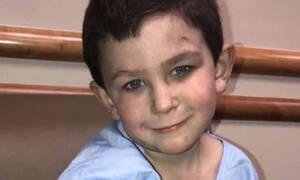 Ένας 5χρονος ήρωας: Έσωσε την αδελφή του από το φλεγόμενο σπίτι τους και γύρισε για τον σκύλο