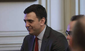 We are not going to spread panic over coronavirus, Health Min Kikilias says