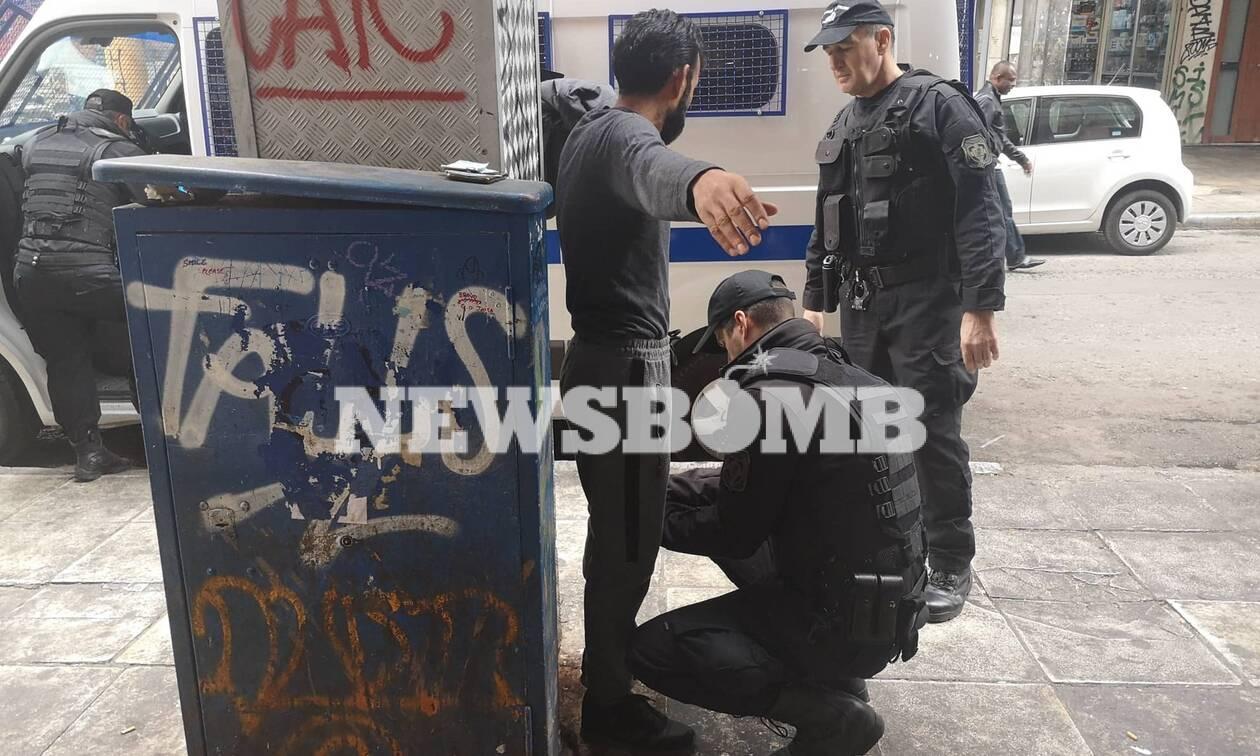Ποιος ελέγχει το κέντρο της Αθήνας; Ναρκωτικά, πορνεία και συμμορίες από Αφρική, Ασία και Βαλκάνια