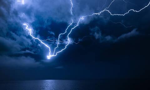 Καιρός: Έρχονται βροχές, καταιγίδες και θυελλώδεις άνεμοι - Δείτε πού θα «χτυπήσουν» (ΧΑΡΤΗΣ)