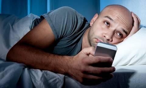 Δεν μπορείτε να κοιμηθείτε; Μ' αυτό το κόλπο θα το κάνετε σε 1 λεπτό! (pics)