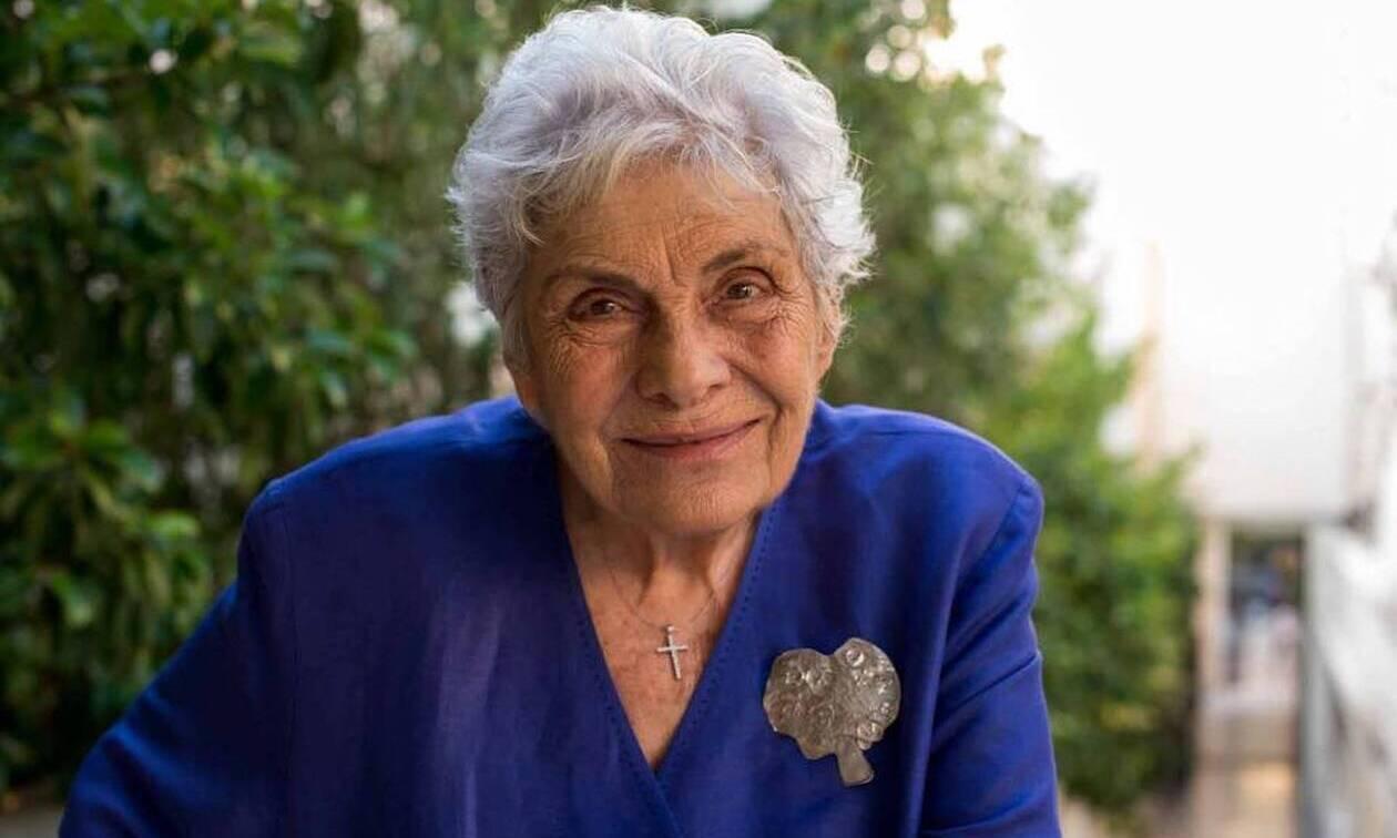 Κική Δημουλά:Αγωνία για τη μεγάλη Ελληνίδα λογοτέχνη - Το σπουδαίο έργο της σε ποίηση και πεζογραφία