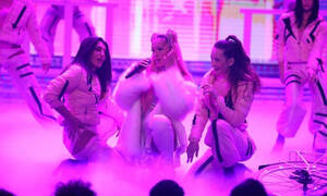 YFSF: Ξεχάστε την Τάνια Μπρεάζου που θυμόσαστε από το X- Factor. Μία άλλη! (VIDEO-PHOTOS)