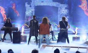 "YFSF: Κι όμως είναι η... ""Ξανθίππη"" του ""50-50"" ως Bon Jovi (VIDEO-PHOTOS)"