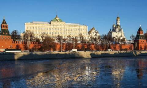 Кремль исходит из того, что Россия де-юре и де-факто является правопреемницей СССР