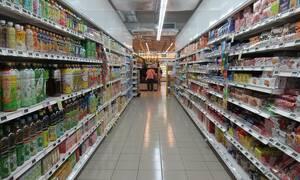 Πανικός σε σούπερ μάρκετ: Πήγαν να ψωνίσουν και άρχισαν να τρέχουν (pics)