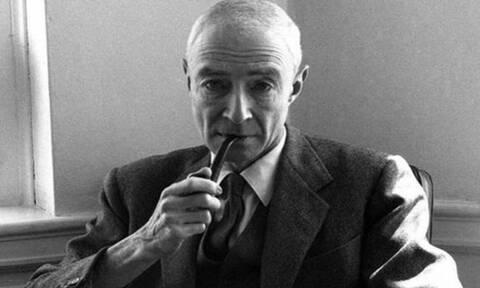 Σαν σήμερα το 1967 πέθανε ο «πατέρας» της ατομικής βόμβας Ρόμπερτ Οπενχάιμερ
