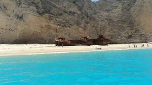 Σάλος! Ταξιδιωτική εταιρεία… μετακόμισε το «Ναυάγιο» της Ζακύνθου στην Τουρκία