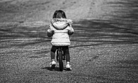 Νεκρό 8χρονο κορίτσι - Το βίασαν 16 συγγενείς του