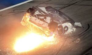 Βίντεο που κόβει την ανάσα: Το σοβαρό ατύχημα στο Daytona 500 - Σε κρίσιμη κατάσταση ο οδηγός