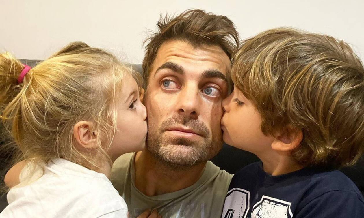 Στέλιος Χανταμπάκης: Έτσι περνά το χρόνο του με τα παιδιά στο σπίτι (pics+vid)