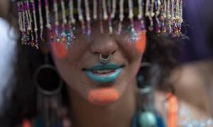 «Έκρηξη» φαντασίας, κεφιού και χρωμάτων στο καρναβάλι του Ρίο (pics)