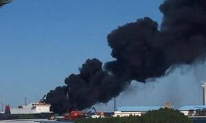 Λιβύη: Ο στρατός του Χαφτάρ βομβάρδισε τούρκικο πλοίο στο λιμάνι της Τρίπολης (pics+vid)