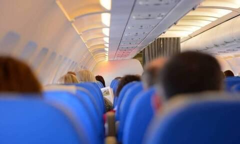 Απίστευτες σκηνές σε πτήση: Δείτε τι έβαλε στο αεροπλάνο (pics)