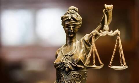 Εκδήλωση διαμαρτυρίας για το «αγωγόσημο» - Οι δικηγόροι ζητούν την κατάργησή τους
