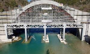 Το γεφύρι της Πλάκας: Έτοιμο το μεγαλύτερο μονότοξο γεφύρι των Βαλκανίων - Ξεκινά το «crash test»