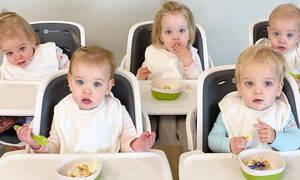 Τα αγόρια άφησαν τη μαμά να κοιμηθεί και ανέλαβαν δράση -  Δείτε πώς φρόντισαν τα πέντε μωρά (vid)