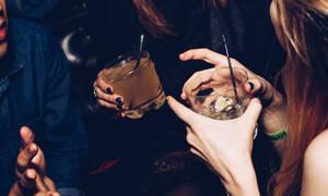 Λεκές από αλκοόλ; Μάθε πώς θα τον καθαρίσεις!