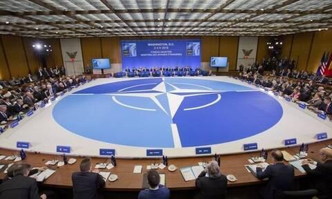 Греческие депутаты покинули зал заседания Парламентской ассамблеи НАТО