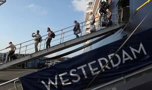 Κοροναϊός: Τέλος στο θρίλερ με τους «εγκλωβισμένους» επιβάτες του Westerdam (pics)