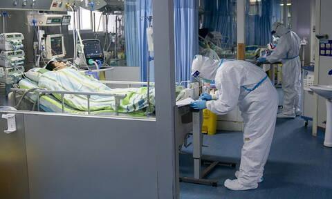 Κοροναϊός στην Κίνα: Μειώνονται τα νέα κρούσματα - Ξεπέρασαν τους 2.100 οι νεκροί του COVID-19