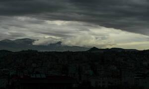 «Μούσκεμα» ο καιρός την Τσικνοπέμπτη: Με βροχές, καταιγίδες και χιόνια το τσίκνισμα (pics)