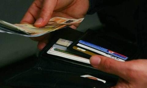 """Χατζησαλάτας στο Newsbomb.gr: «Τα """"bonus"""" για όσους πληρώνουν με κάρτα»"""