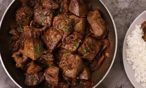 Η συνταγή της ημέρας: Συκωτάκια με καραμελωμένα κρεμμύδια