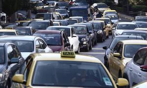Κίνηση ΤΩΡΑ: Κυκλοφοριακά προβλήματα στην Κατεχάκη λόγω τροχαίου