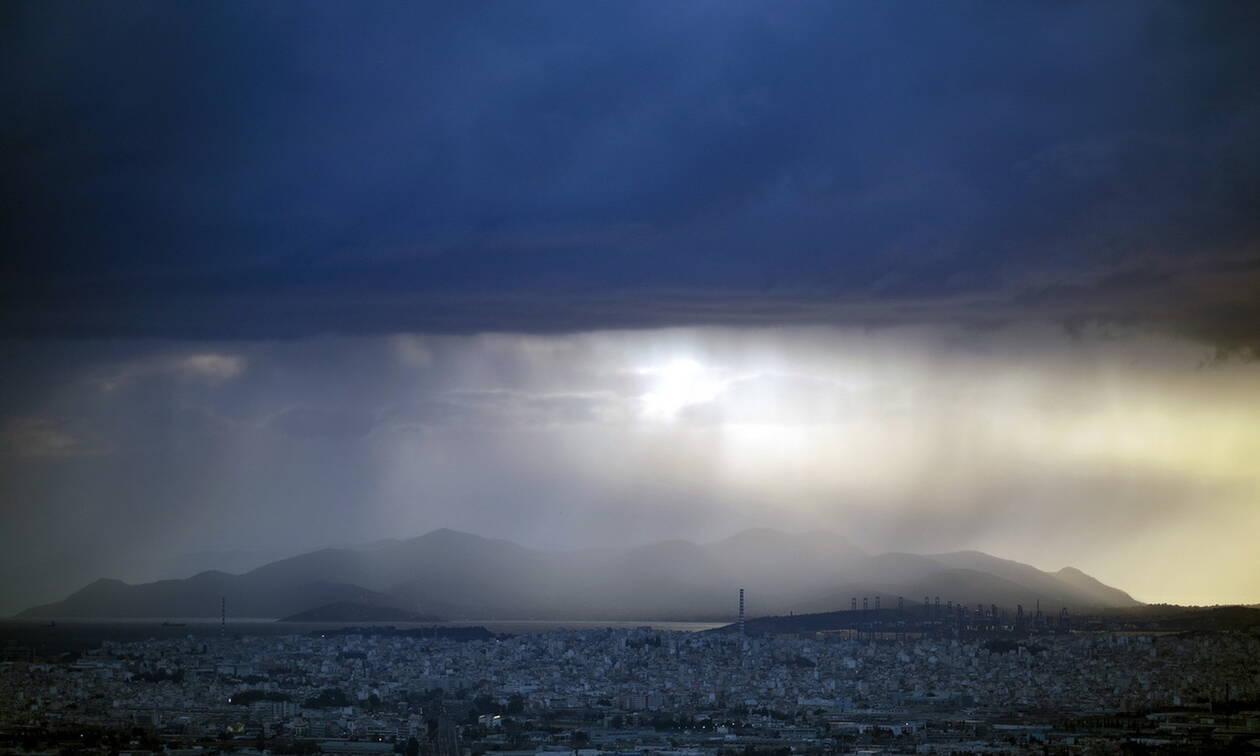 Καιρός: Με βροχές, νέα πτώση θερμοκρασίας και θυελλώδεις βοριάδες η Παρασκευή (pics)