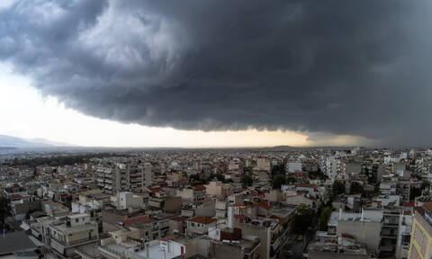 Καιρός: Έρχεται νέα κακοκαιρία με βροχές και θυελλώδεις ανέμους - Πού θα χτύπησει (ΧΑΡΤΕΣ)