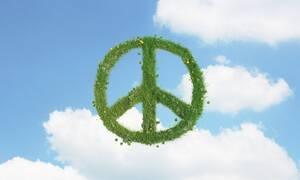 Το σύμβολο της ειρήνης: Όλα όσα δεν γνωρίζατε για ένα από τα πιο αναγνωρίσιμα σχήματα στον κόσμο