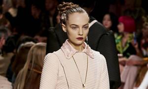 Η Fendi έφερε έναν φρέσκο αέρα στο Μιλάνο με τη φθινοπωρινή της συλλογή