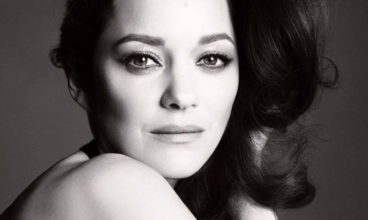 Η ηθοποιός Μαριόν Κοτιγιάρ είναι το νέο πρόσωπο του θρυλικού αρώματος της Chanel No5