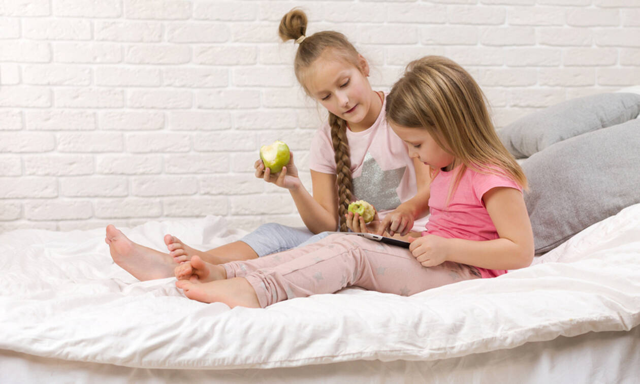 Παιδιά «κολλημένα» στο ίντερνετ - Τι μπορούν να κάνουν οι γονείς;