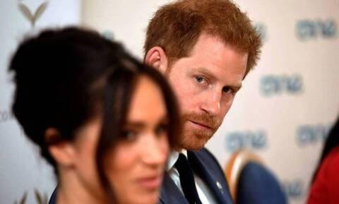"""Στην αντεπίθεση Μέγκαν και Χάρι: «Χάρισμά σου το """"Royal""""» απαντούν στην Ελισσάβετ"""