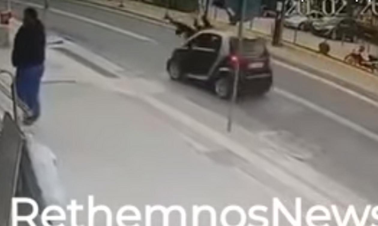 Φρικτό τροχαίο στο Ρέθυμνο: Σοκαριστικό βίντεο με παράσυρση μητέρας και παιδιού