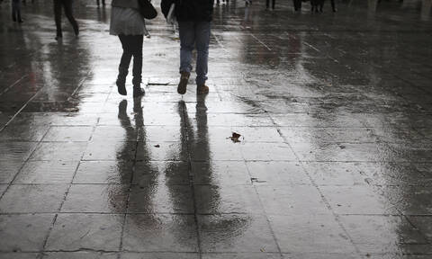 Καιρός: Με βροχές, καταιγίδες και πιθανή χιονόπτωση η Κυριακή – Πού θα φτάσει ο υδράργυρος