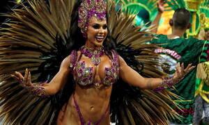 Αιθέριες υπάρξεις και τρελός χορός: Το βραζιλιάνικο καρναβάλι σε 20 «κλικ»