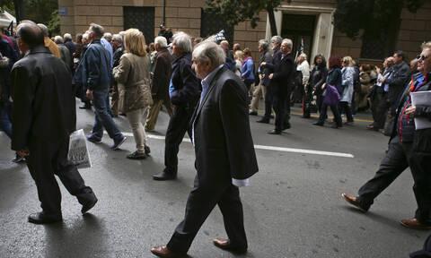 Συντάξεις: Αυξάνονται έως και 200 ευρώ - Ποιοι και πότε θα πάρουν τα χρήματα