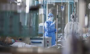 Κοροναϊός: «Συναγερμός» στο υπουργείο Υγείας - Έκτακτη σύσκεψη για τα νέα δεδομένα
