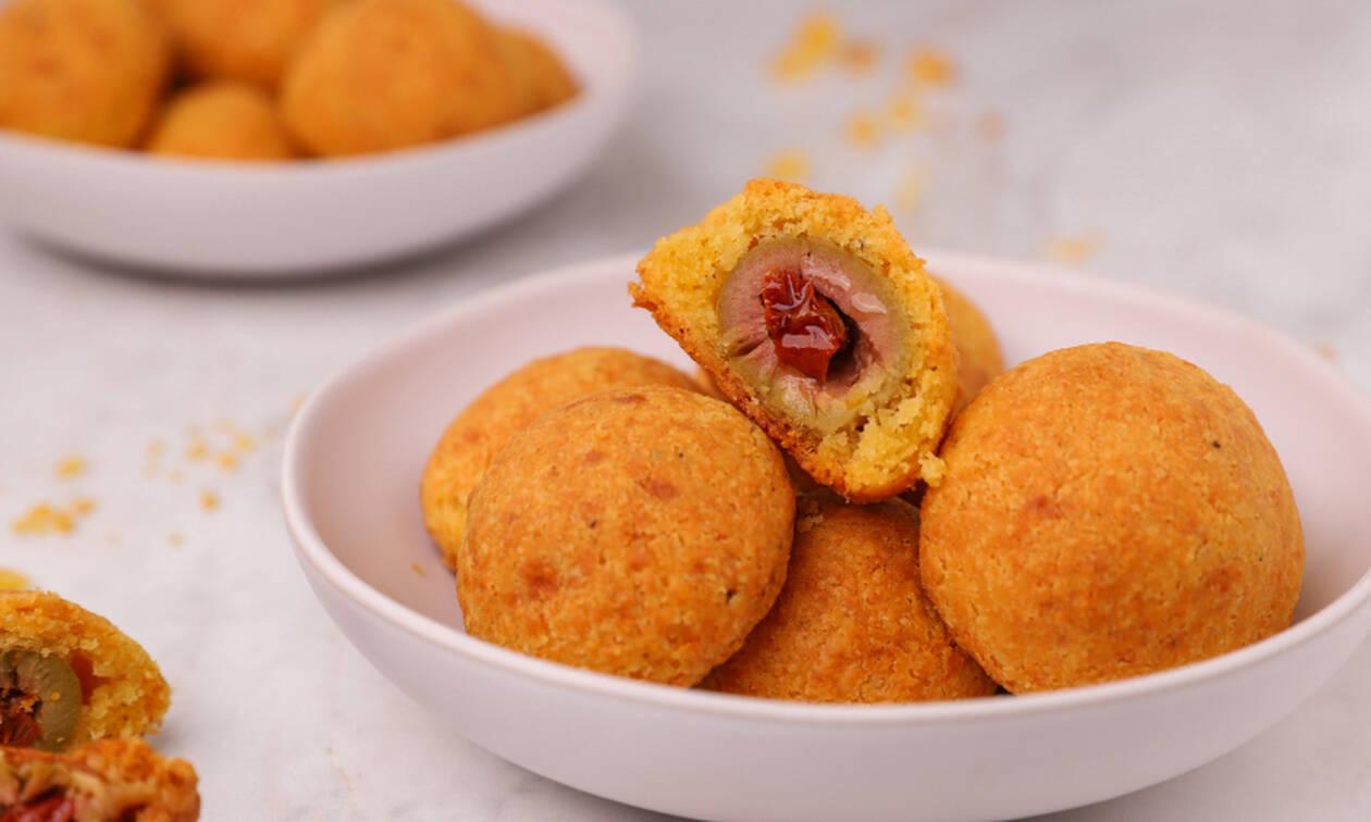 Πανεύκολη συνταγή για κροκέτες τυριού γεμιστές με ελιά