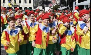 Πατρινό καρναβάλι: Περισσότεροι από 14.000 μικροί καρναβαλιστές «πλημμύρισαν» το κέντρο