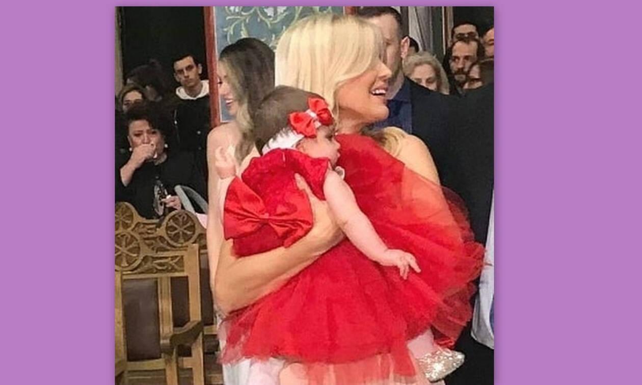 Η Έλενα Ράπτη έγινε νονά - Δες τι φόρεσε αλλά και την κούκλα μπέμπα και θα ξετρελαθείς! (Pics-Vid)