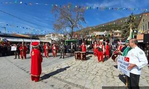 «Καταστρέψτε τους Έλληνες» - Τουρκικά εμβατήρια μπροστά από εκκλησία στη Θεσσαλονίκη