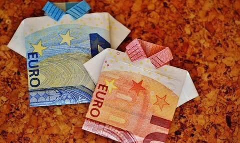 Συντάξεις: Έρχονται αυξήσεις έως 206 ευρώ το μήνα – Ποιοι θα πάρουν αναδρομικά έως 1.647 ευρώ