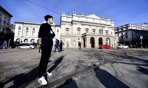 Κοροναϊός - Δήλωση «βόμβα»: «Φταίει η Ιταλία» - Σκηνές πανικού στη χώρα - Άδεια ράφια και δρόμοι